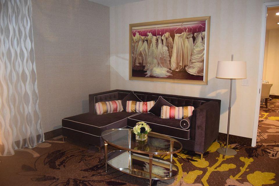 Groom's Lounge